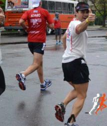Gustavo Sáenz, corriendo en Chile